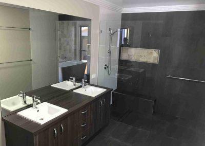 Bathroom Gallery 01 - Pole Custom Homes Builders Toowoomba Warwick QLD