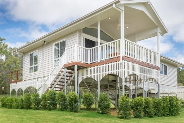Contemporary Weatherboard or Hampton Style Homes
